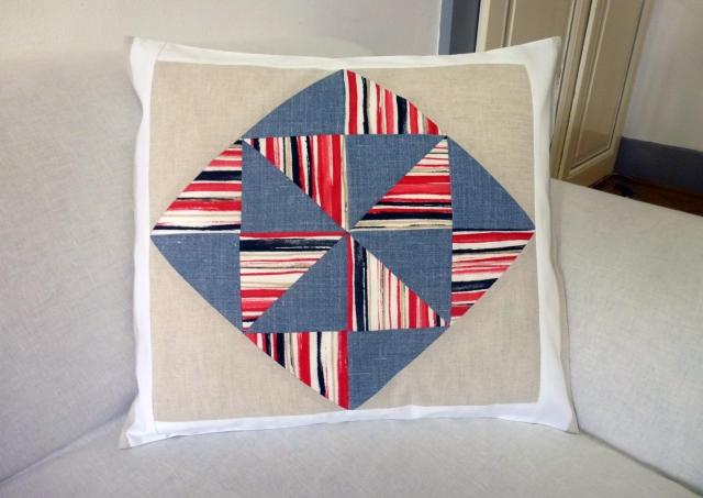 Housses de coussins décoratives en coton et lin - Page 2 1365246752-quilt-graphicpop1